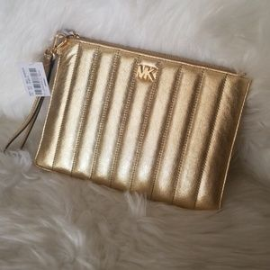 NWT MICHAEL KORS GOLD WRISTLET LEATHER ZIP POUCH